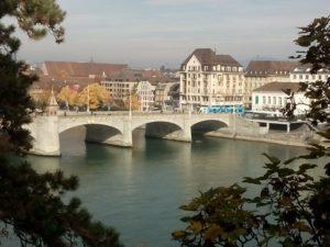 Blick über den Rhein in Basel